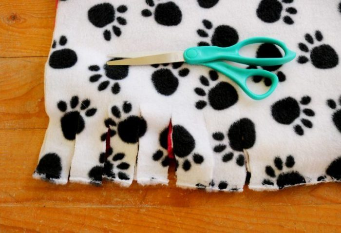 diy-no-sew-dog-bed-3-768x524